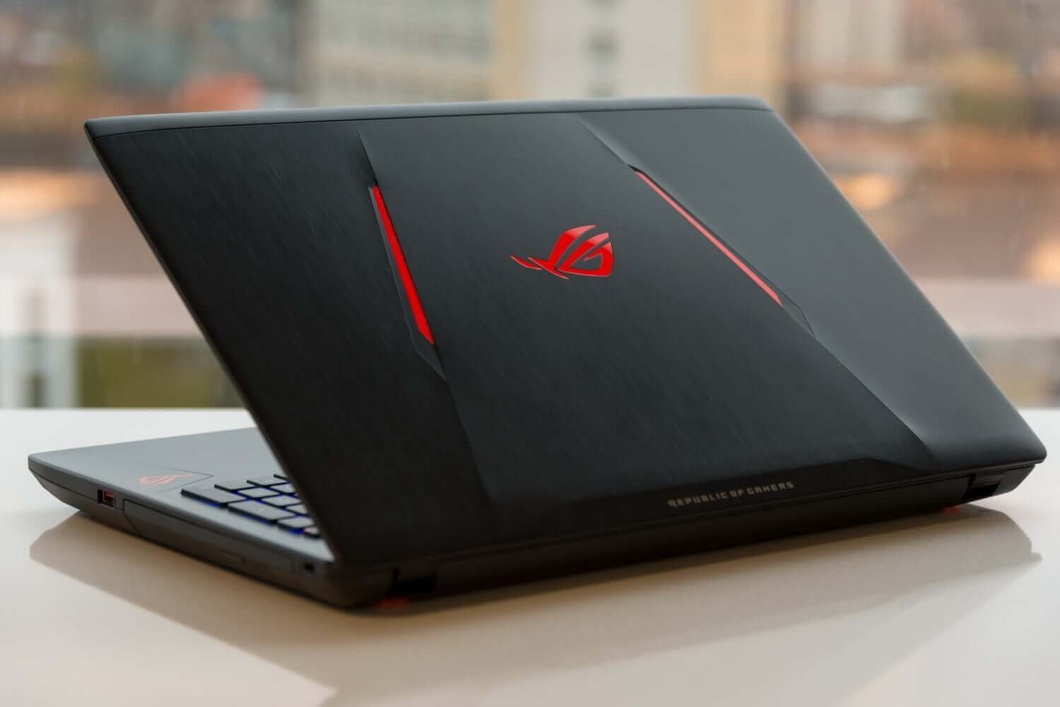ASUS ROG GL553 i7 SSD Gamer Laptop under $1500 dollars, £1200 GBP
