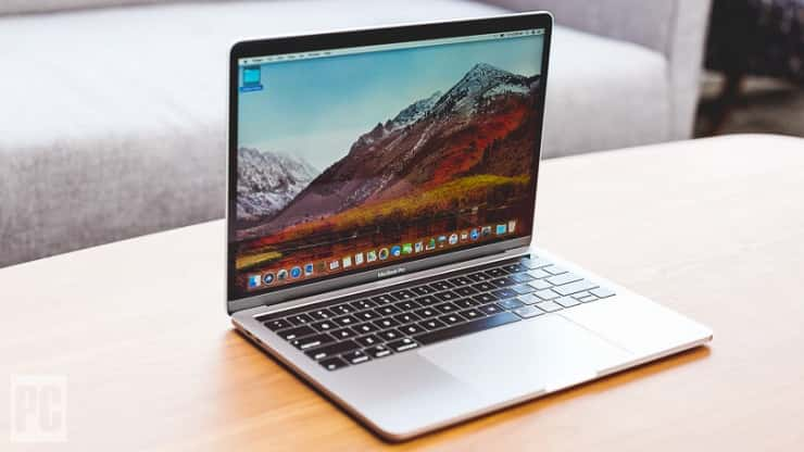 Best portable and powerful: MacBook Pro (2018)- Which macbook to buy for college- Best apple laptop for college 2018