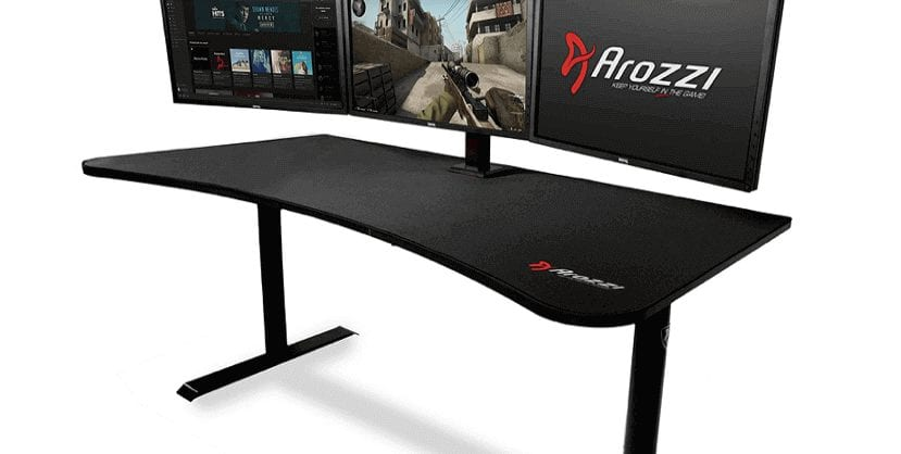 Arozzi Arena Premium Large black gaming Desk